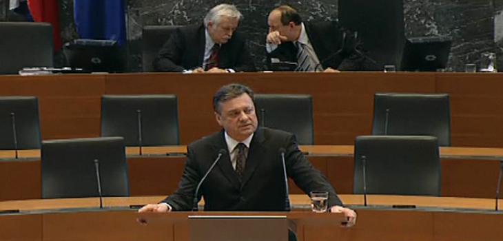 20120110 zoki Janković Fails In A Cliffhanger PM Bid